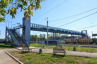 Строительство пешеходного моста на станции Кая