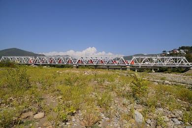 Капитальный ремонт металлического моста 1915 км ПК 4 перегон Лазаревская – Чемитоквадже